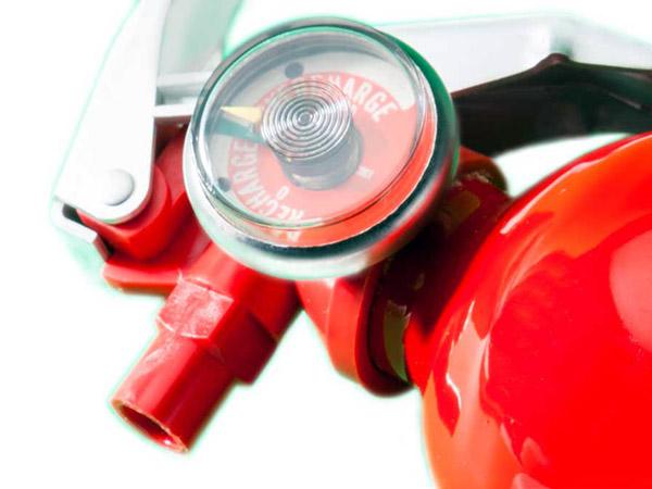 Installazione-estintori-a-schiuma-lombardia